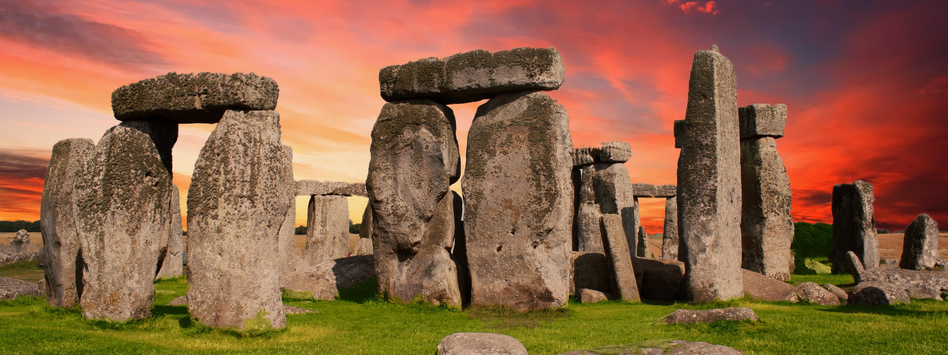 stonehenge-2371476